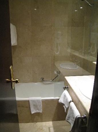 bagno hotel atlantis