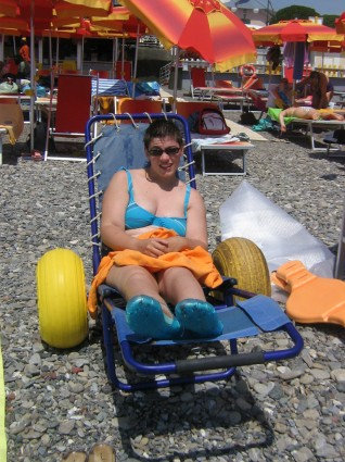 carrozzina disabili spiaggia chiavari