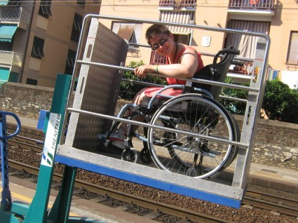 sollevatore disabile treni