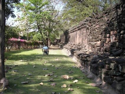 Entrata Tempio dai giardini