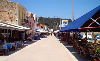 Katakolon spiaggia e negozi