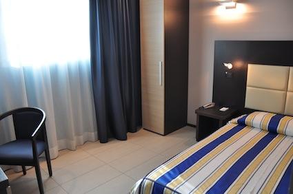 Camera accessibile Hotel Parma foto