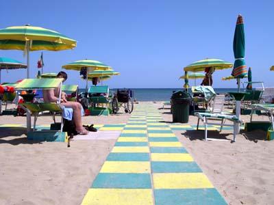spiaggia accessibile disabili a roma