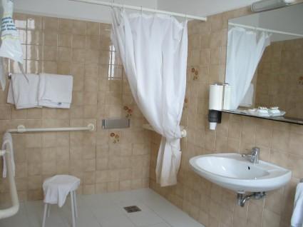 doccia accessibile